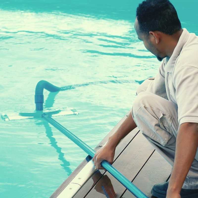 pool cleaning tampa